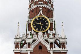 Zeitanzeige weithin sichtbar - Turmuhr