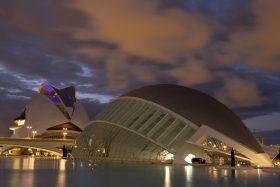 Stadt der Künste und Wissenschaften in der Nacht