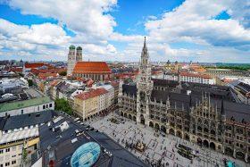 Nach Norden: Rathaus und Frauenkirche